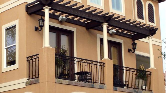 pergola-balcony-area