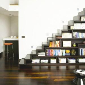 Stairs shelfs